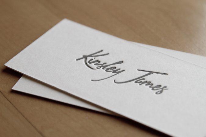 kertas untuk kartu nama timbul deboss