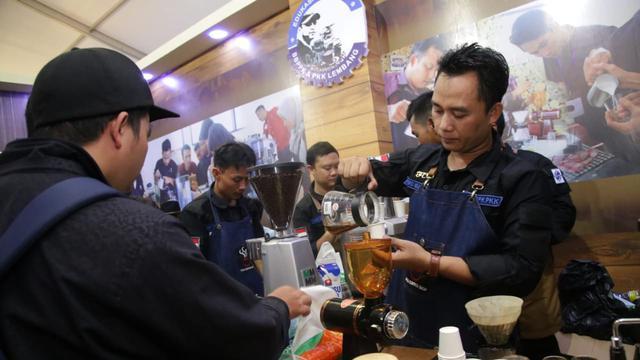training menjadi barista